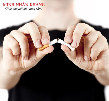 Hạn chế lão hóa mắt bằng cách ngừng hút thuốc